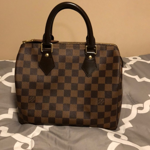 9202527f5cd0 Louis Vuitton Handbags - Louis Vuitton Damier Ebene Speedy 25